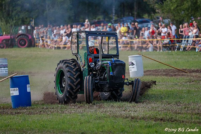 Erik tvåa i Traktorrace 2019