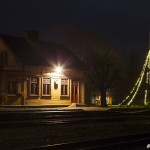 Antens station med julbelysning